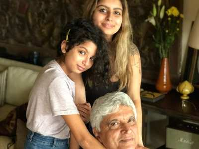 Farhan pens a heartwarming wish for his dad