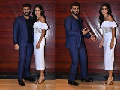 Arjun - Katrina are all smiles at Javed's bash
