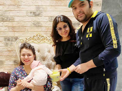 Kapil gets Anayra's hands-feet impression