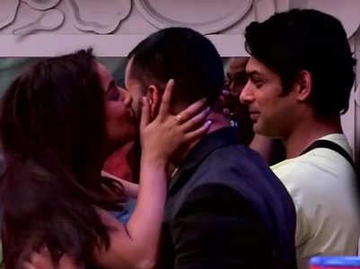 BB13: Shehnaz kisses Gautam in front of Sid