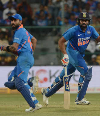 India defeats Aus by 7 wickets