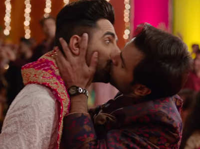 Ayushmann-Jitendra lock lips in SMZS trailer