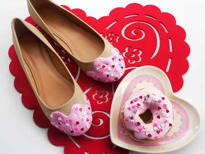 Donut heels are breaking in the internet