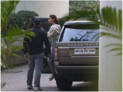Pics: Alia spotted outside BF Ranbir's house