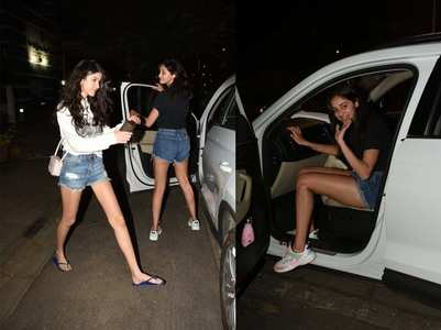 BFFs Ananya-Shanaya get snapped in the city