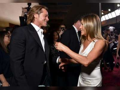 Jen-Brad share hilarious moment at SAG Awards