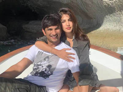 Rhea pens a lovey-dovey note for Sushant