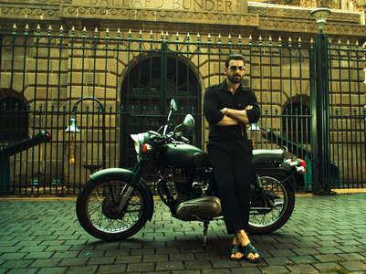 'Mumbai Saga': John's gangster look unveiled