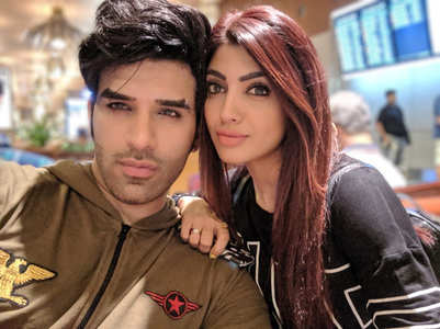 Akanksha ends her relationship with Paras