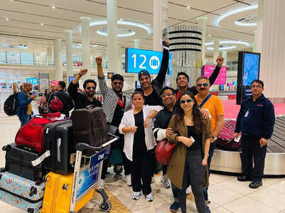 Kapil Sharma and team land in Dubai, see pics