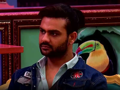 BB13: Vishal gets schooled Bigg Boss