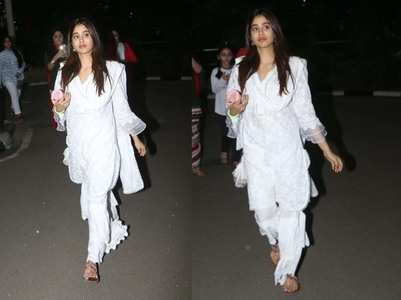 Photos: Janhvi gets snapped at the airport
