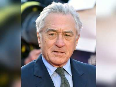 Ex-assistant threatens De Niro to expose him