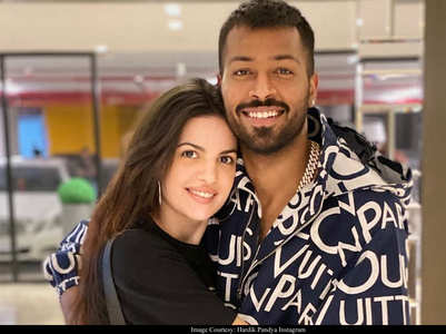 Hardik shares a loved-up pic with Natasha