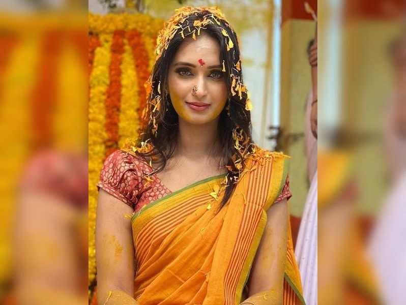 Kavya Shastry renters Nandini serial