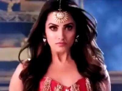 Anita Hassanandani returns as Naagin Vishakha