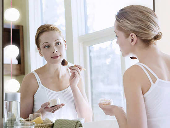 You must absolutely avoid putting on makeup in these situations