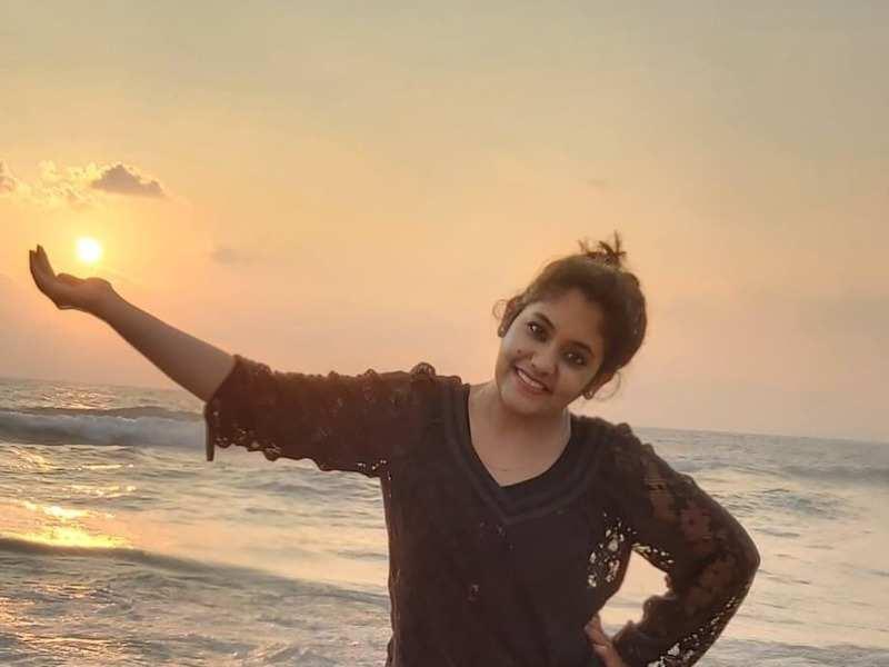 Actress Sruthi Shanmuga Priya to play a negative role in Bommukutty Ammavukku