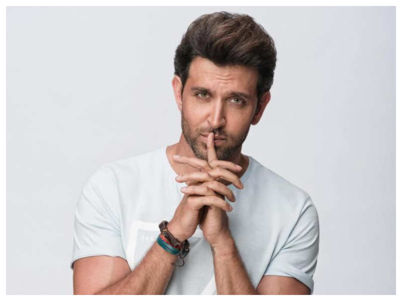 Hrithik Roshan joins hands with Mumbai Police in their 'Honk Responsibly' initiative to curb the noise pollution