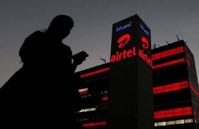 Airtel posts another loss as it faces massive government dues