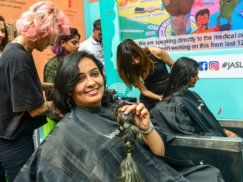 Mumbai women participate in the city's largest hair donation drive at KGAF