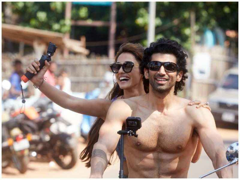 Aditya Roy Kapur Talks About His Chemistry With Malang Co Star Disha Patani Hindi Movie News Times Of India