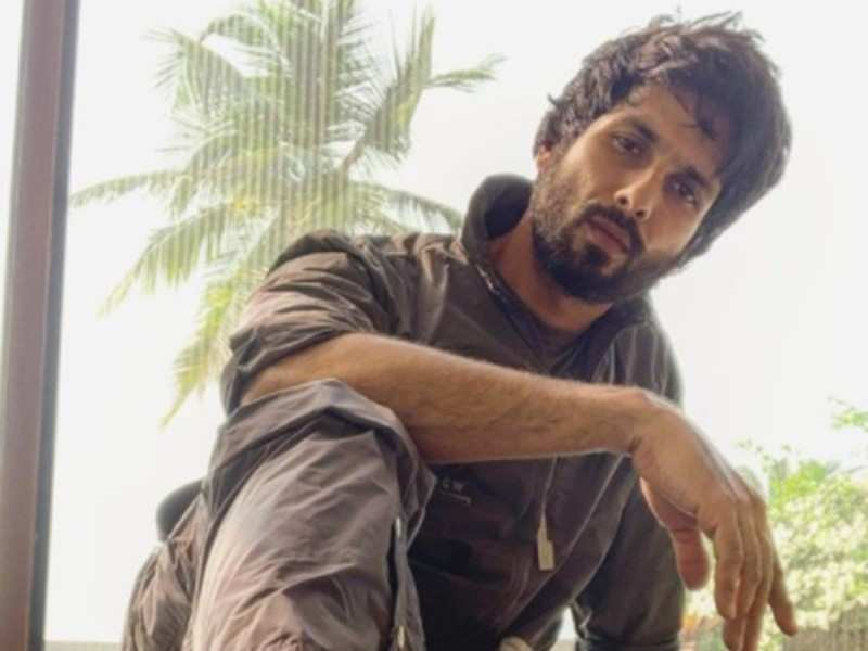 Shahid Kapoor's workout video will leave you in splits
