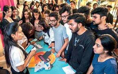 Students registering at Thakur College