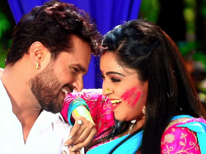 Khesari Lal Yadav, Shubhi Sharma flaunt amazing dance moves in the song 'Bhatar Mera Holi Mein Dhoka Diya Hai'
