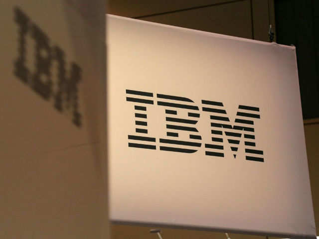 IBM gives Microsoft 'snub', picks rival's platform