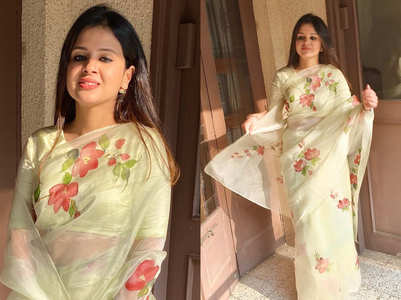 Sakshi Dhoni wore the most beautiful hand painted pista hued sari