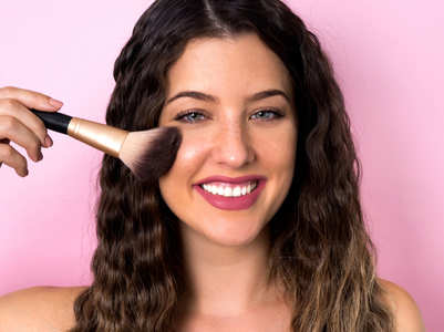 4 ways to get natural looking make-up base