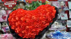 Roses, soft toys make for the grab on Valentine's Day