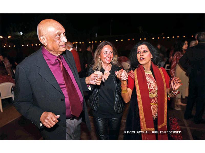 Everybody Have Fun Tonight: (L-R) Bhaichand Patel, Josephina Young and Shovana Narayan
