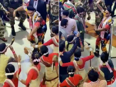 Ranveer shakes a leg with Assamese dancers