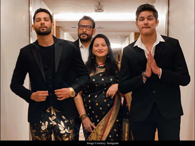 Photo: Siddhant Chaturvedi and family deck up in black and gold for 65th Amazon Filmfare Awards 2020