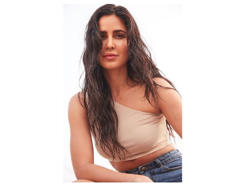 Katrina Kaif looks as fresh as morning dew in her latest photo
