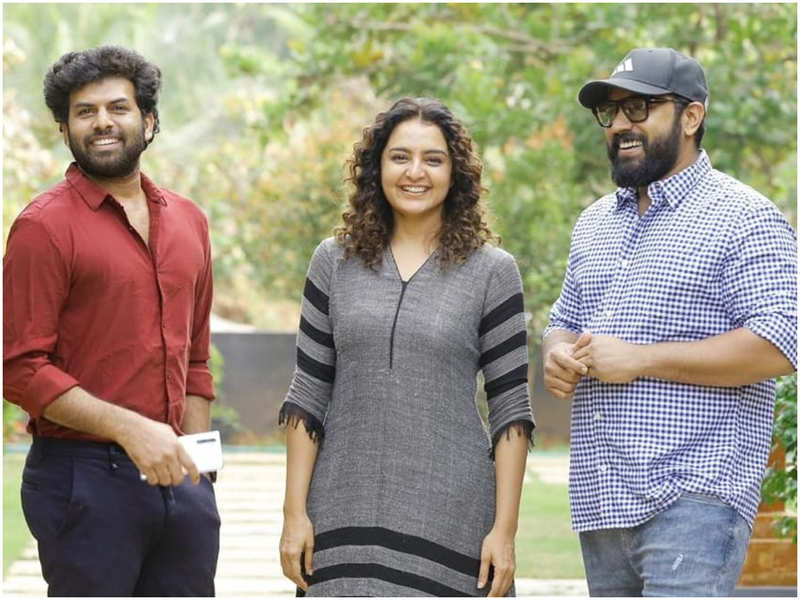 So excited to be part of this sure-shot blockbuster: Manju Warrier on 'Padavettu'