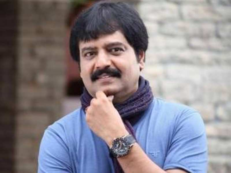 Popular comedian Vivek set to get into a new avatar as director soon?