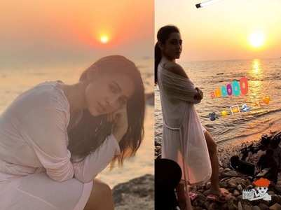 Photos: Sara enjoys sunset by the sea in Goa