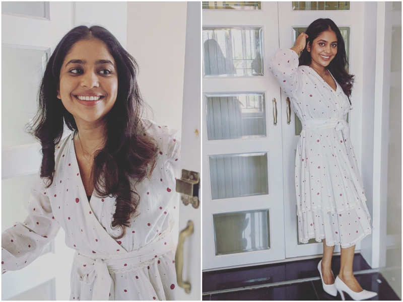 Srindaa rocks in a polka dotted dress in her latest picture