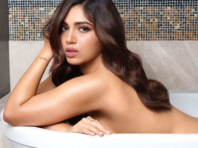 Bhumi bares it all for Dabboo's calendar