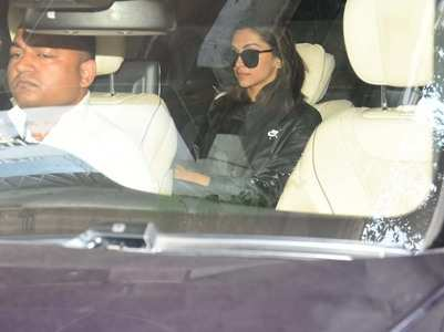 Deepika makes heads turn in an all-black look!