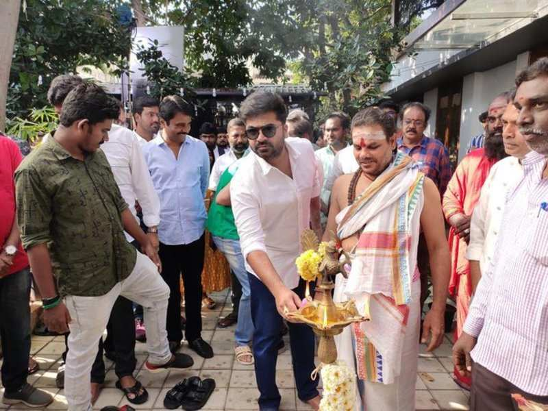 Maanadu begins with a puja