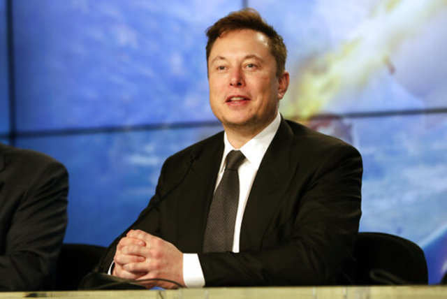 Elon Musk calls for regulating all companies developing AI, including Tesla