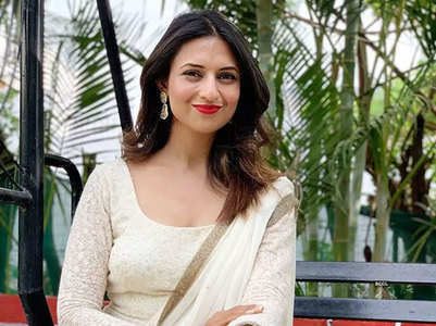 Divyanka wins best Television Actress award