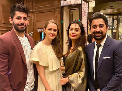 Divya and Varun pose with Rannvijay Singha