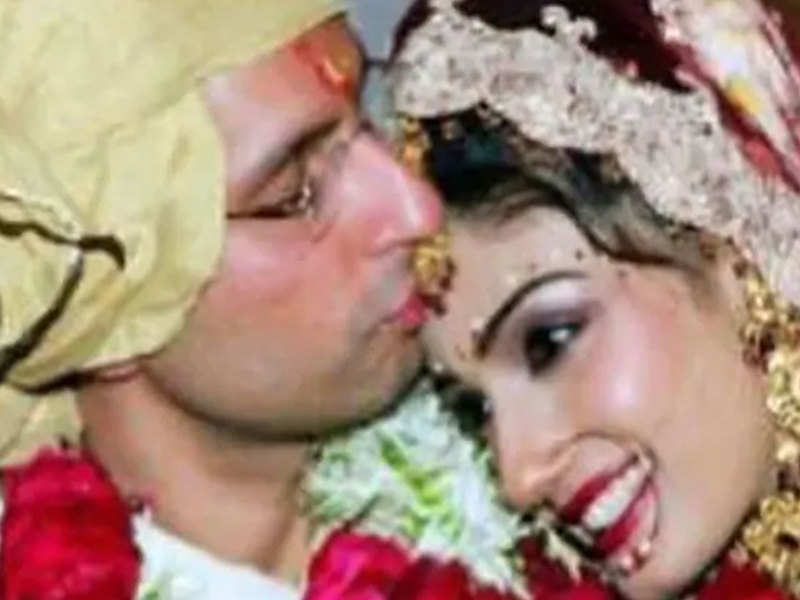 Raveena Tandon's post on her 16th wedding anniversary is all things romantic