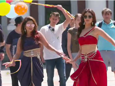 KKK10: Karishma and Adaa's Naagin dance