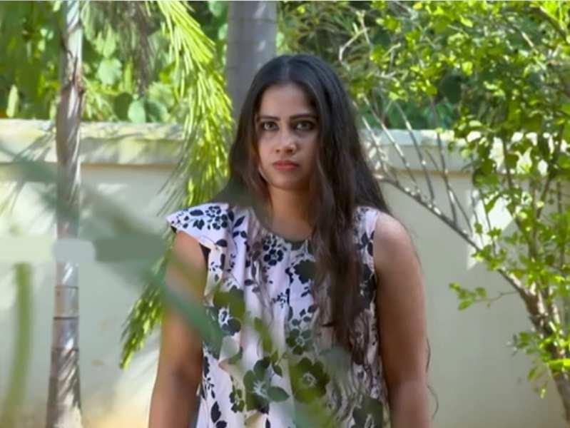 Manjil Virinja Poovu update, February 22: Sona threatens to kill Anjana